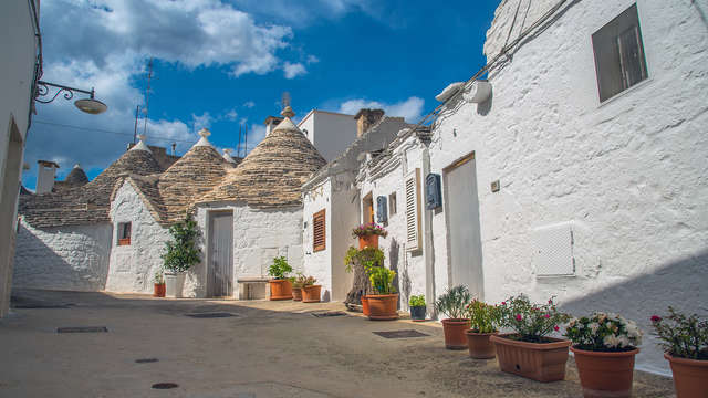 Découvrez les trulli d'Alberobello au sud de l'Italie, pendant un séjour dans un appartement