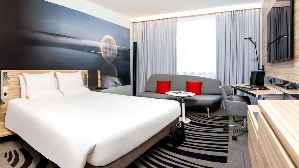Novotel Charleroi Centre - Edit_room.jpg