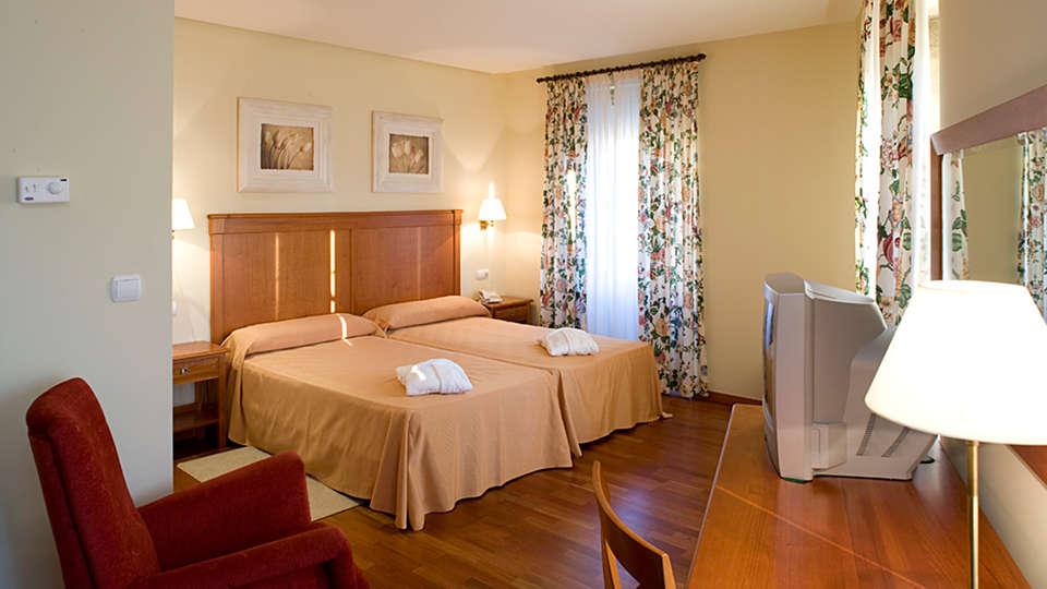 Termas de Cuntis - Hotel La Virgen - EDIT_NEW_room1.jpg