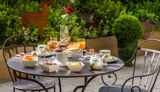 Hotel le Versailles - NEW breakfasterrace