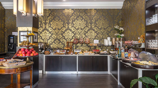Hotel le Versailles - NEW buffet