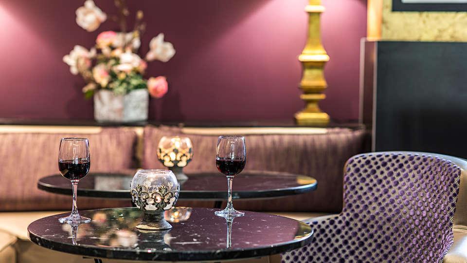 Hôtel le Versailles - EDIT_NEW_drink.jpg
