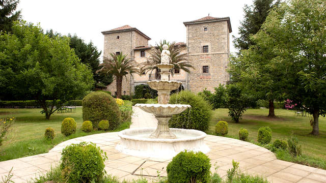 Escapada Romántica en un antiguo palacio del s.XVII de la campiña cántabra