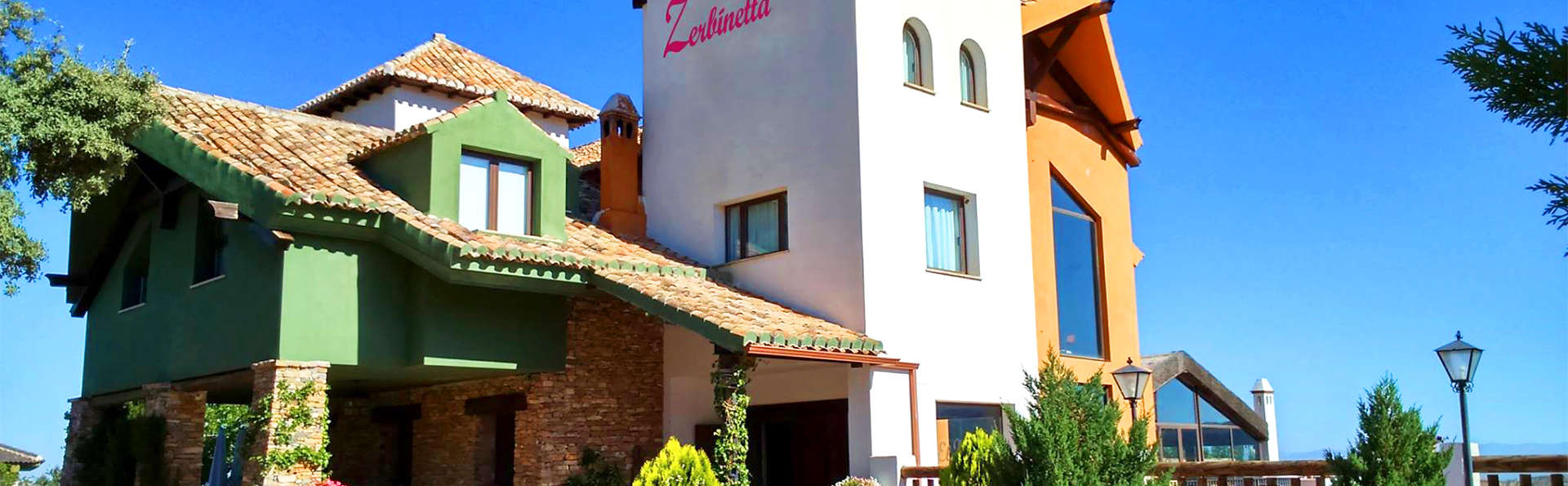 Hotel Zerbinetta - EDIT_2_FACHADA.jpg