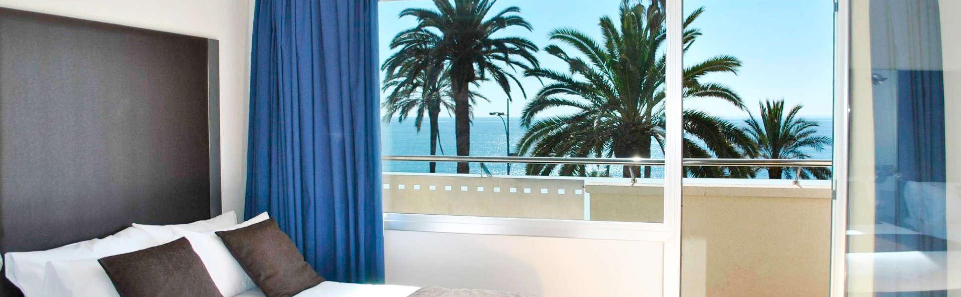 Séjour détente hébergé dans une chambre offrant des vues sur la mer