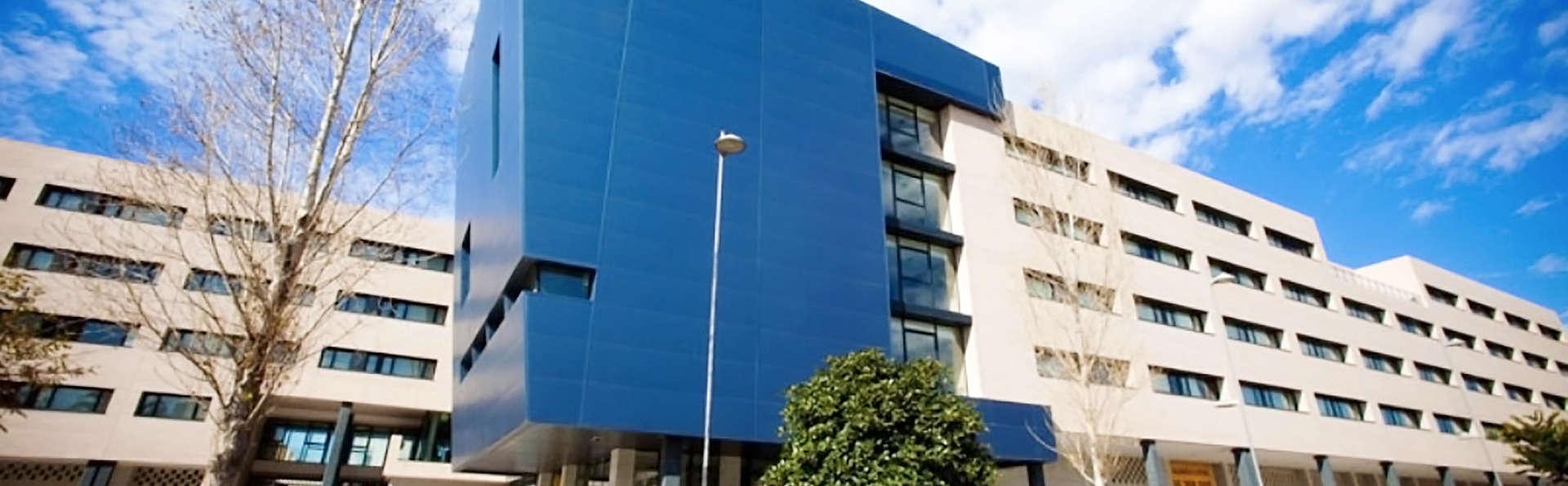 Villa Alojamiento y Congresos - EDIT_1_FACHADA.jpg