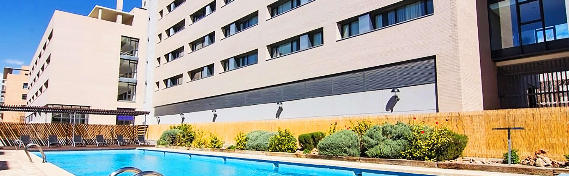Villa Alojamiento y Congresos - EDIT_18_PISCINA.jpg