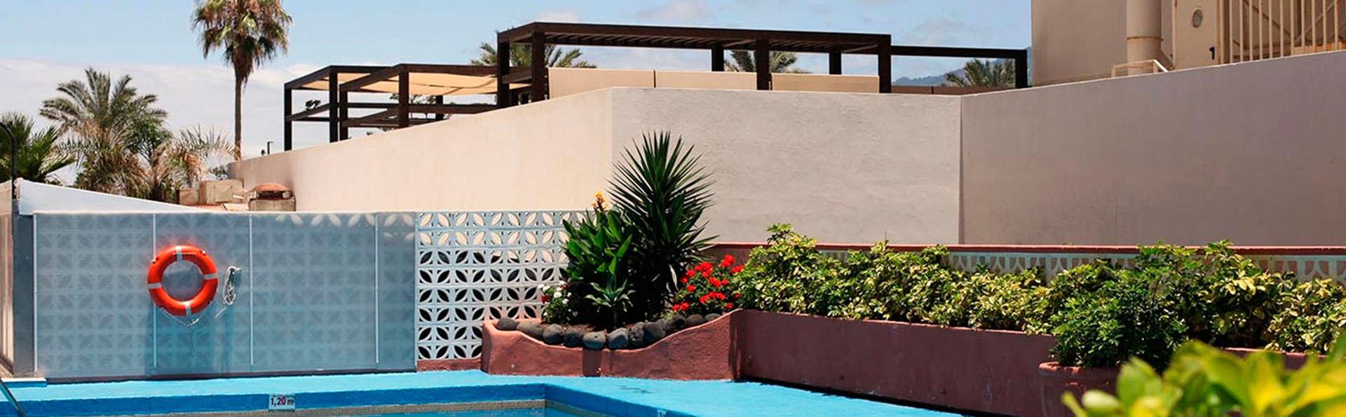 Checkin Concordia Playa - EDIT_pool.jpg