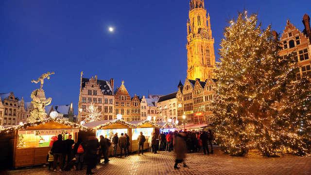 Bezoek beroemde kerstmarkt in Antwerpen en geniet van een glühwein