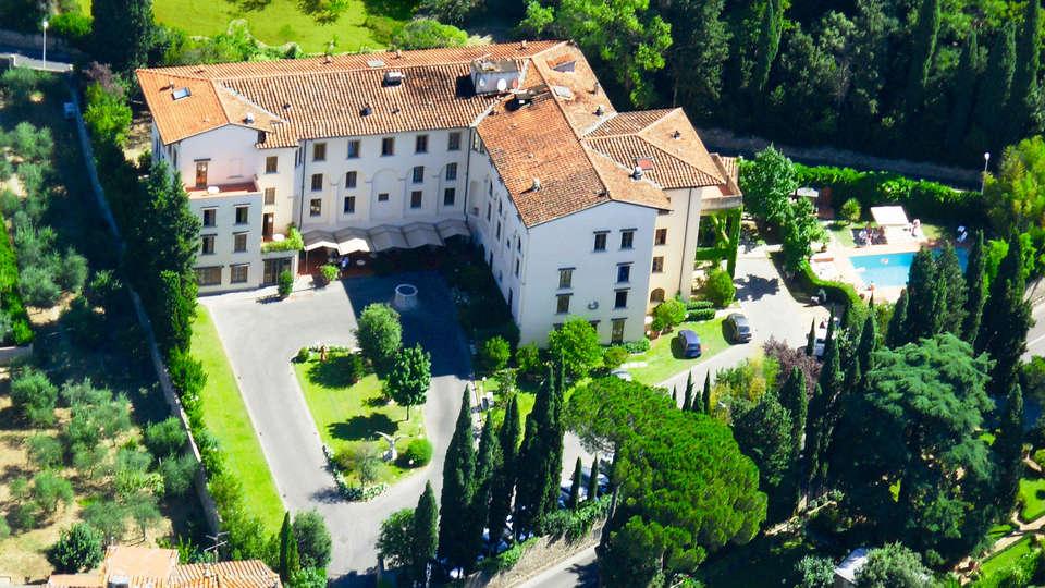 Hotel Villa Gabriele D'Annunzio - EDIT_aerea.jpg