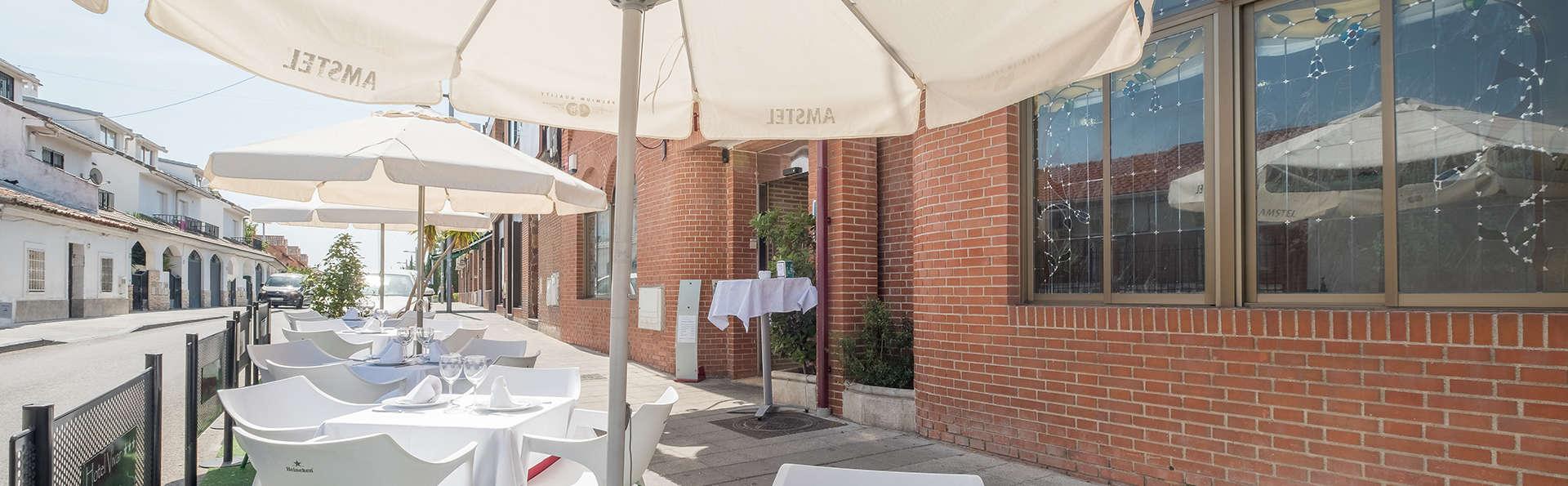 Hotel Vivar - EDIT_restauranterrace.jpg