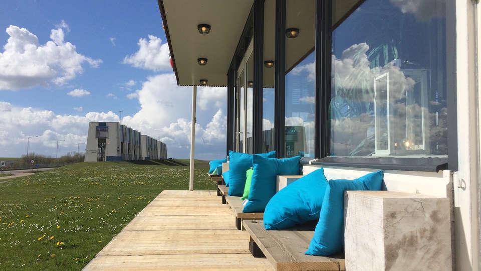 Hotel Waddenweelde  - EDIT_NEW_terrace1.jpg