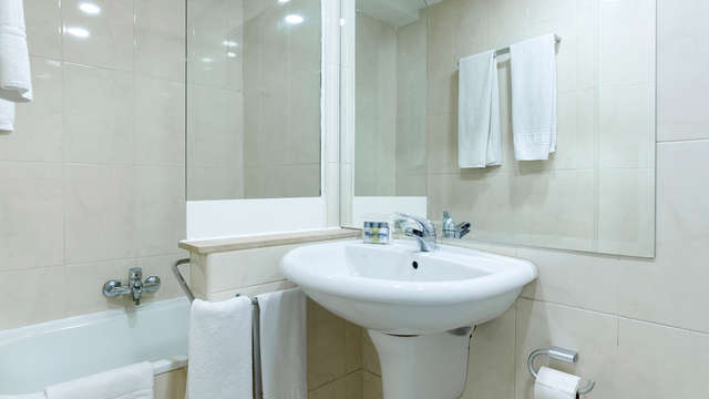 Bluesense Madrid Serrano - NEW bath