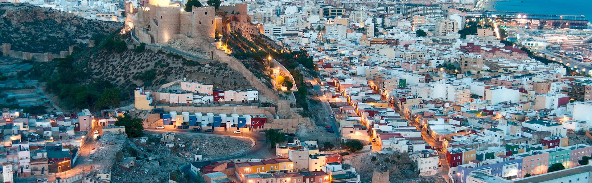 Especial parejas: escapada con cama matrimonial garantizada en Almería