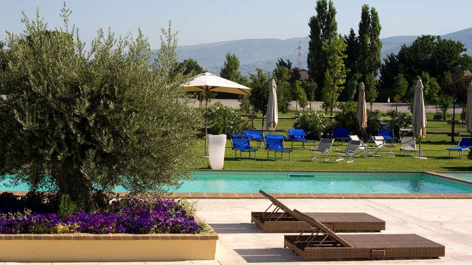 Il Baio Relais & Natural Spa - EDIT_pool.jpg