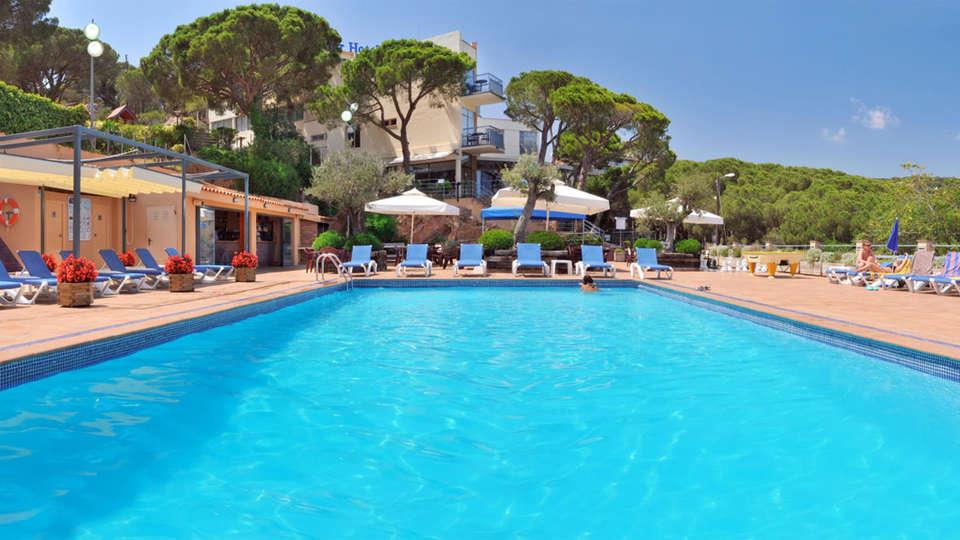 Hotel GHT S'Agaró Mar  - EDIT_6_PISCINA.jpg