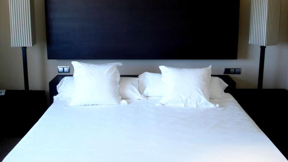 Hotel Pago del Vicario - Edit_Room.jpg