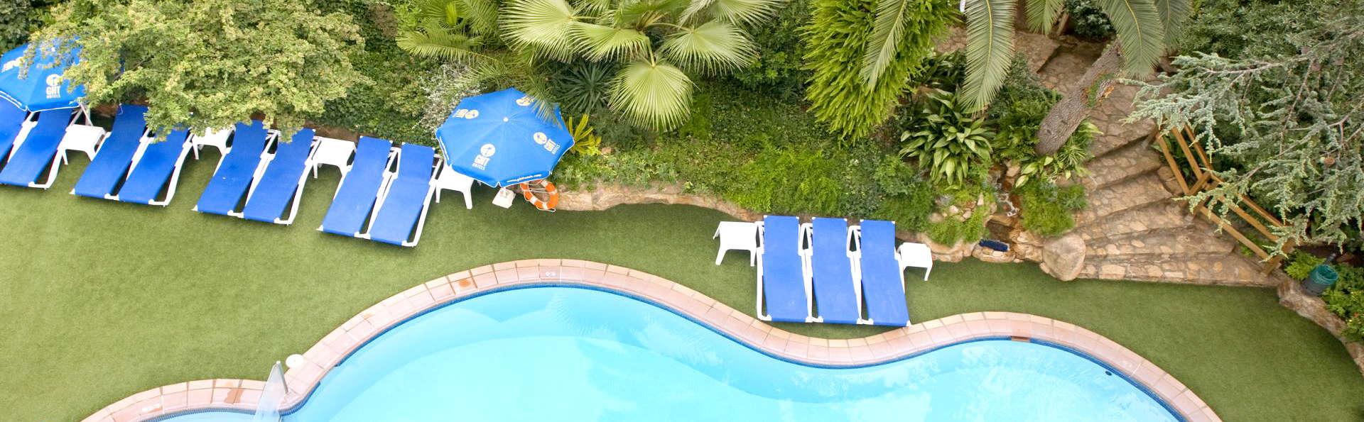 Amusement à Tossa de Mar en demi-pension et vue piscine