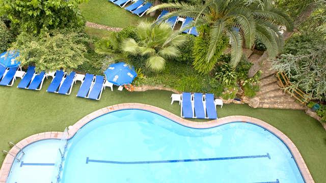 Diversión en Tossa de Mar en media pensión en habitación con vistas a la piscina