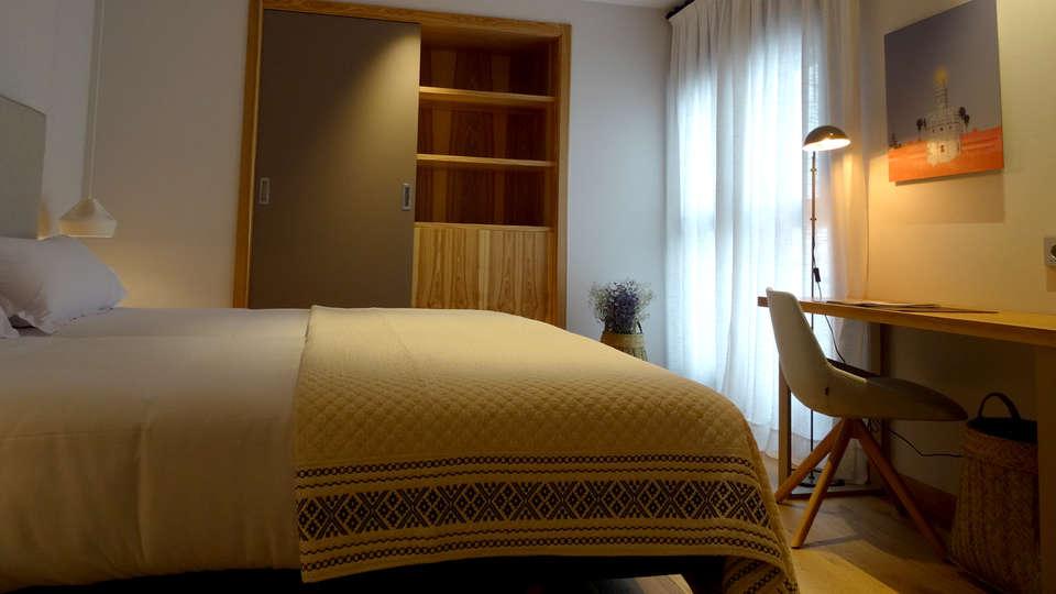 Hotel Zenit Sevilla - Edit_Room4.jpg