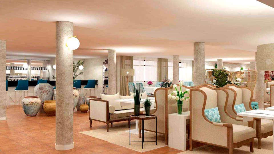 Pamplona El Toro Hotel & Spa - Edit_Lounge.jpg