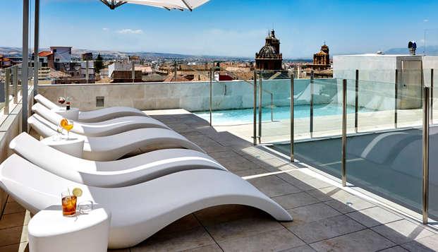 Granada Five Senses Rooms Suites - Pool