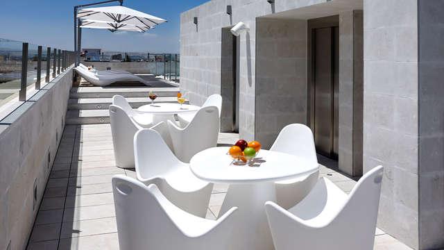 Especial mejores terrazas: escapada con desayuno y copa incluida en hotel de diseño