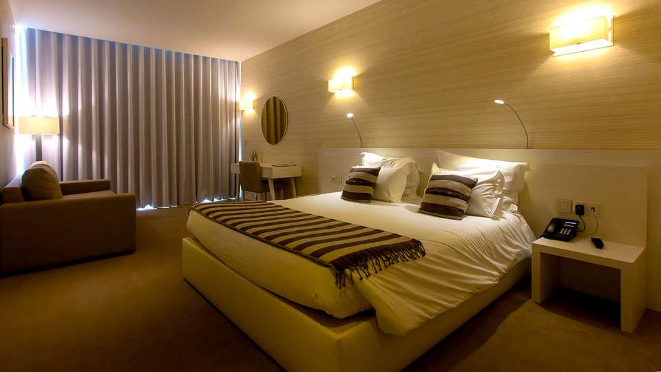Tempus Hotel & Spa - Edit_Room3.jpg