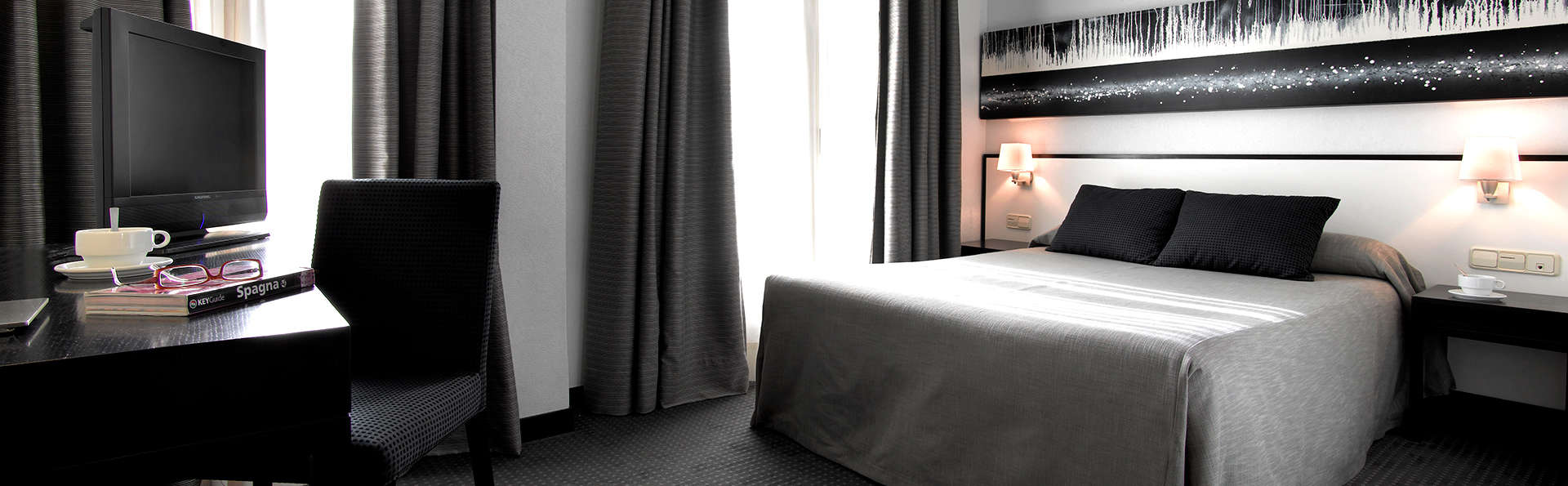 Hotel Maciá Plaza - Edit_Room.jpg