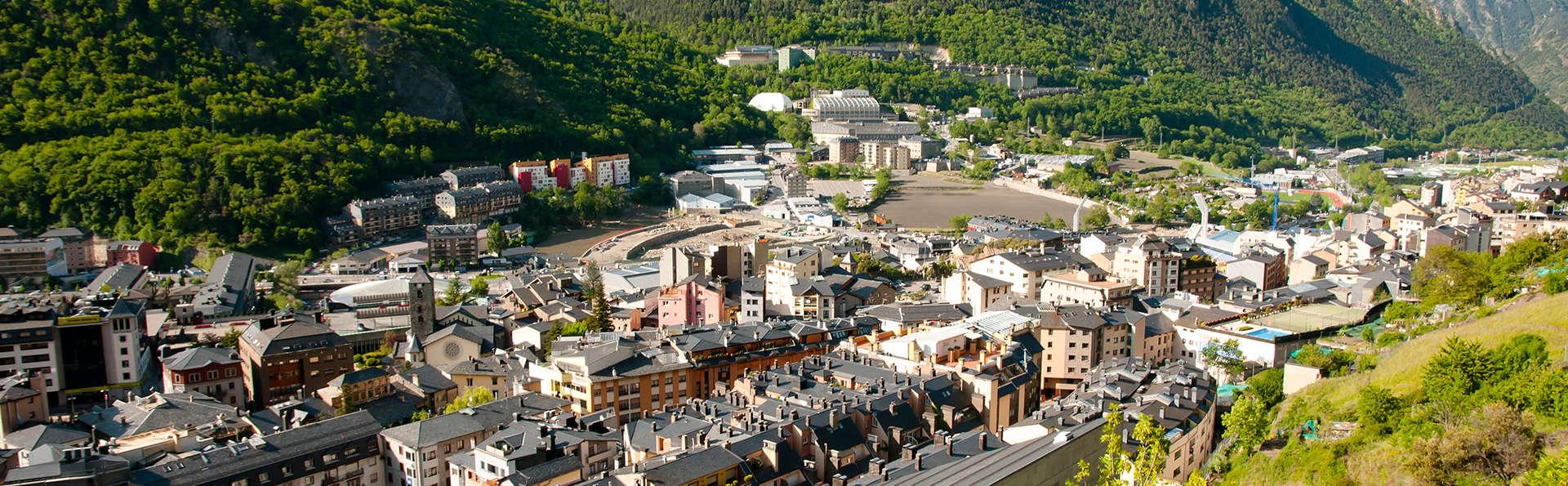 Andorra, el pais de los pirineos al mejor precio: desayuna y cena en pleno centro