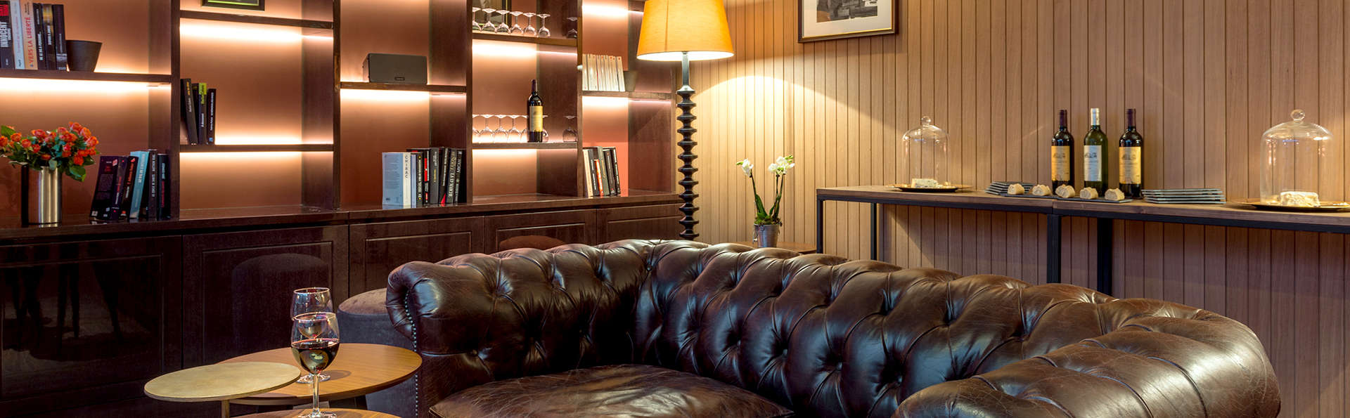 Quality Suites Bercy Bibliothèque Paris 13 - Edit_Lounge.jpg