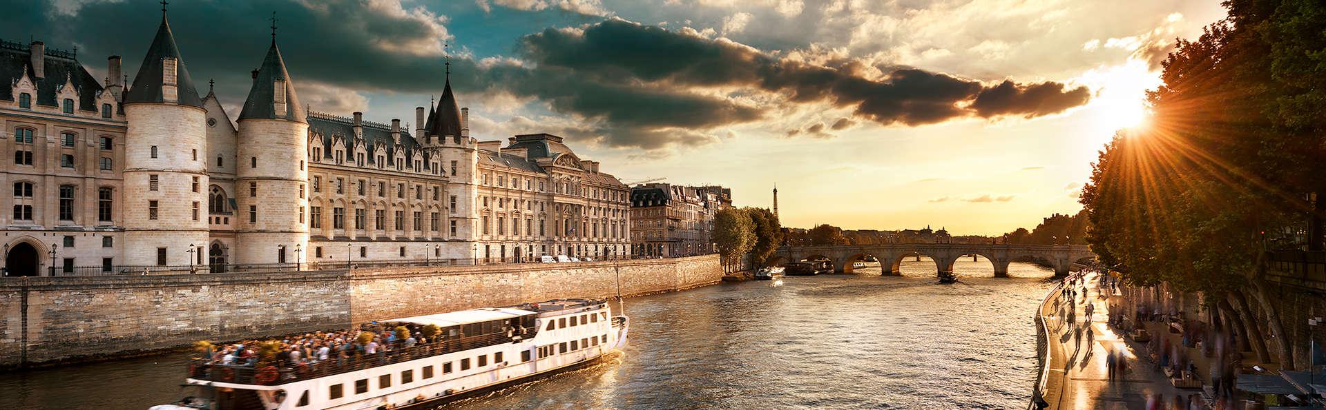 Ambiance chic sur les rives de la Seine à Paris