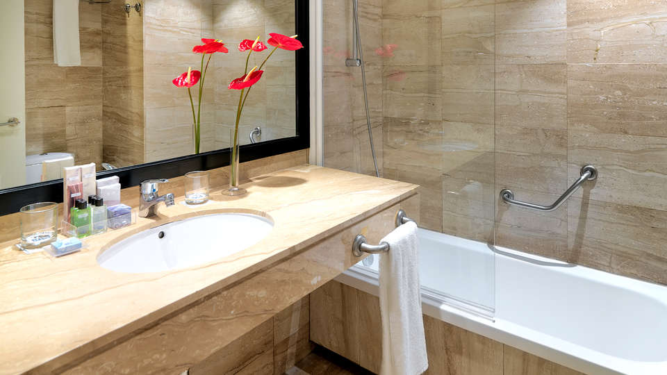 H10 Itaca - EDIT_NEW_BATHROOM.jpg