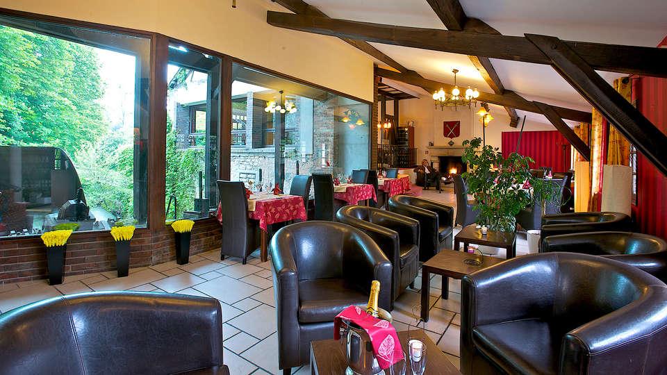 Le Moulin du Landion Hôtel and Spa - Edit_Lounge.jpg