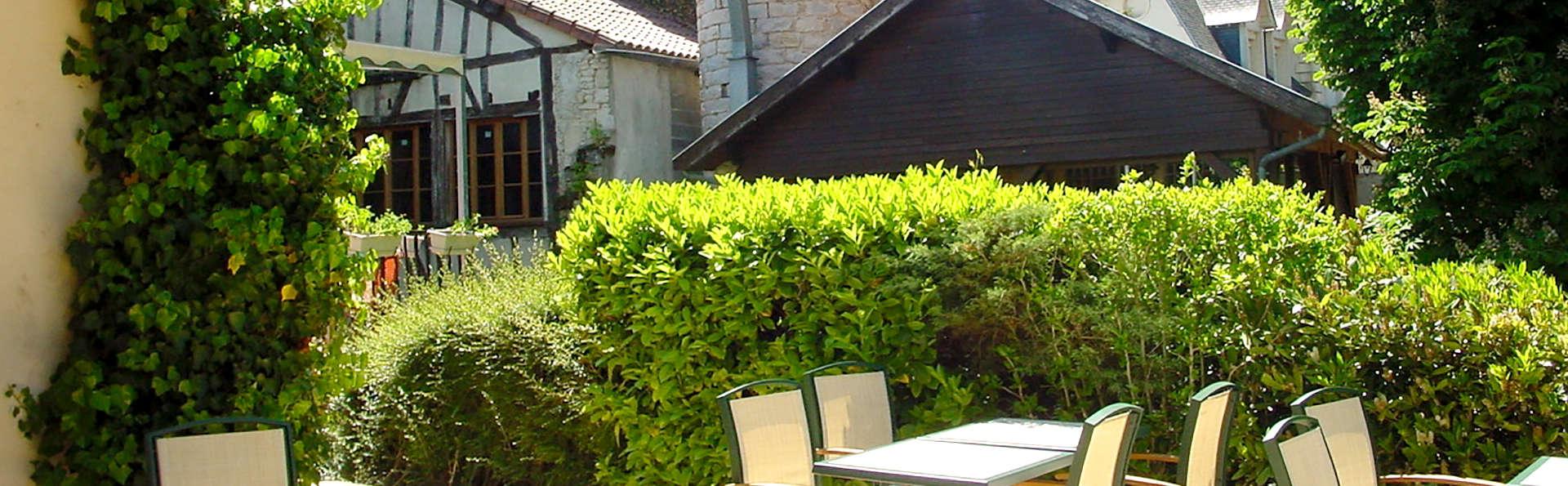 Le Moulin du Landion Hôtel and Spa - Edit_Terrace2.jpg