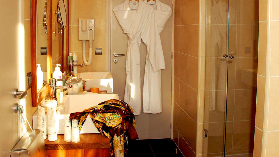 Abbaye des Capucins Hôtel Spa & Resort BW Premier Collection - Edit_Bathroom.jpg