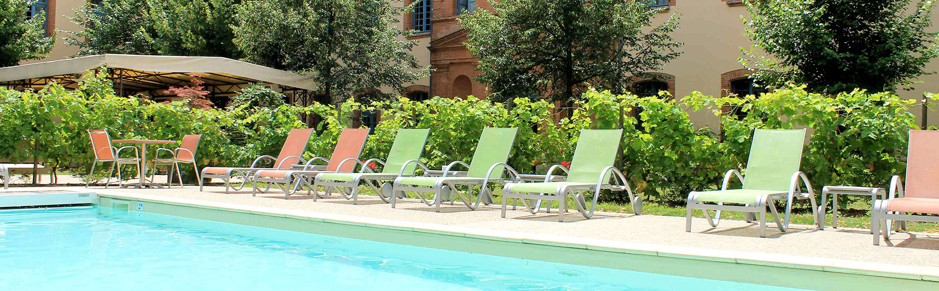 Abbaye des Capucins Hôtel Spa & Resort BW Premier Collection - Edit_Pool.jpg