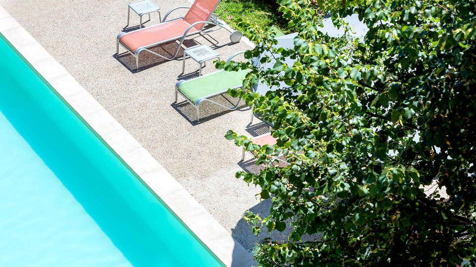 Abbaye des Capucins Hôtel Spa & Resort - Edit_Pool2.jpg