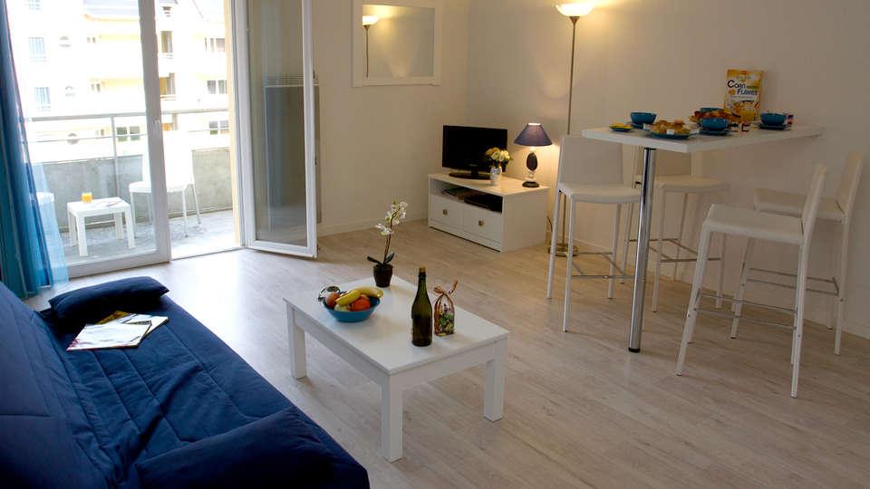 Adonis Grandcamp - Résidence les Isles de Sola - Edit_Apartment.jpg