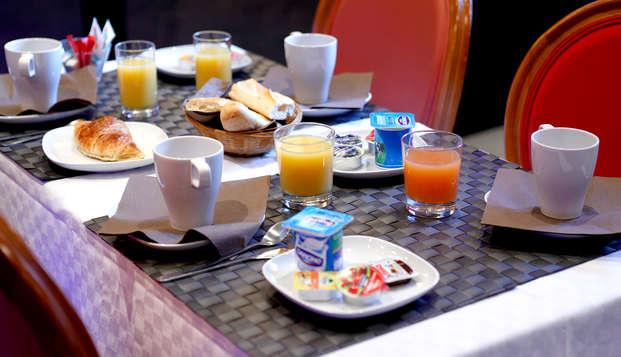 Adonis Marseille Vieux Port - Hotel du Palais - Breakfast