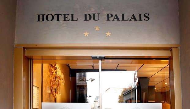 Adonis Marseille Vieux Port - Hotel du Palais - Front