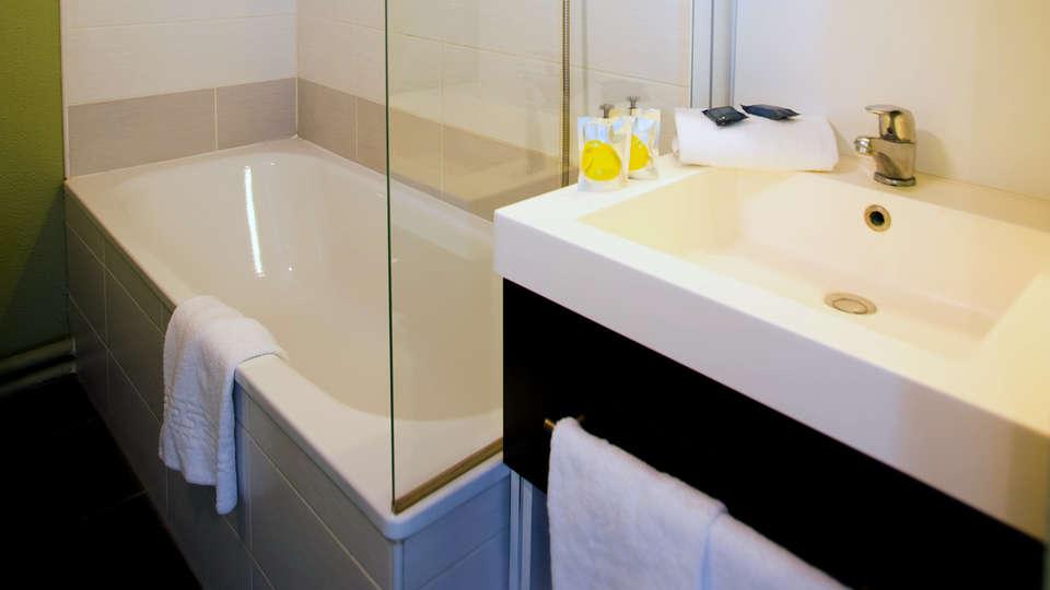 All Suites Appart Hotel Bordeaux Lac - Résidence  - Edit_Bathroom.jpg