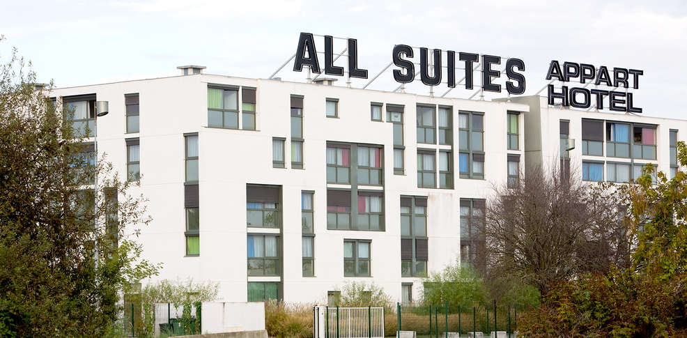 All suites appart hotel bordeaux lac r sidence 3 for Appart hotel bretagne sud