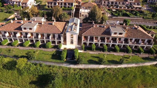 Appartamento alle porte di Roma in una zona tranquilla, con accesso a Spa e piscina coperta!