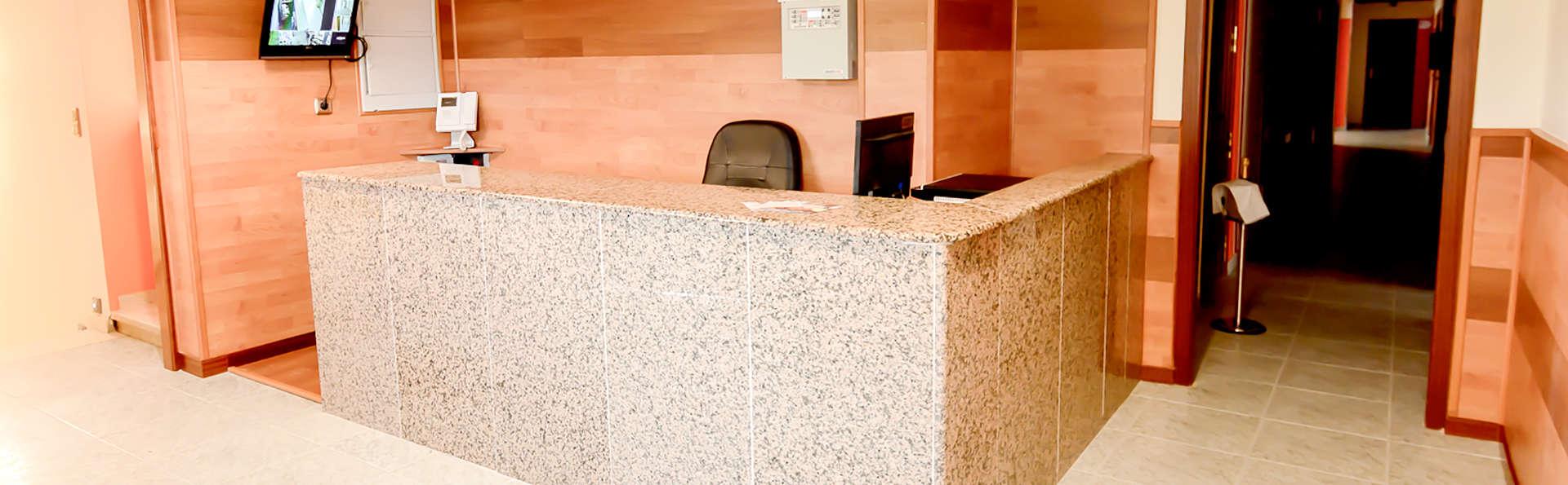 Hotel Los Manjares - Edit_Reception.jpg