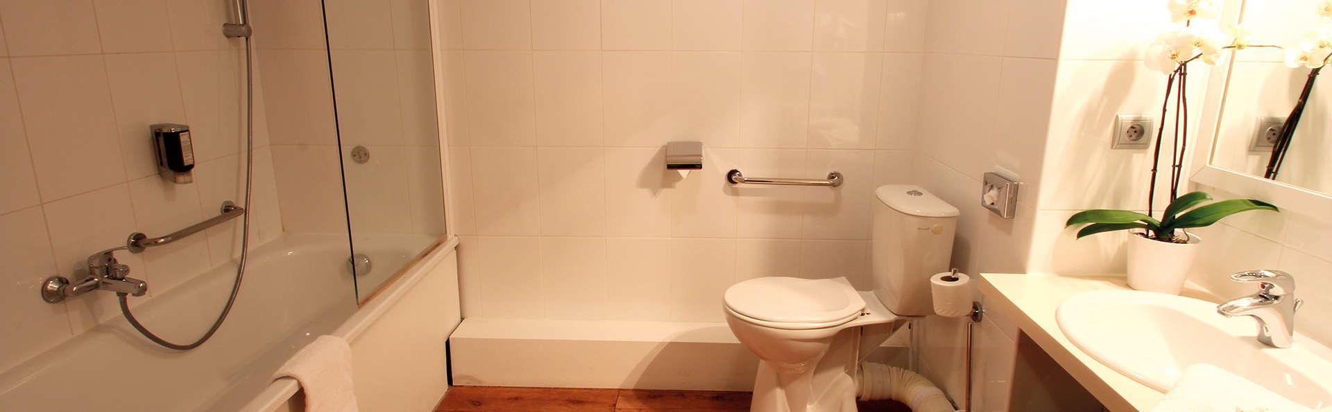 Appart'City Confort Montpellier Ovalie I  - Edit_Batroom.jpg