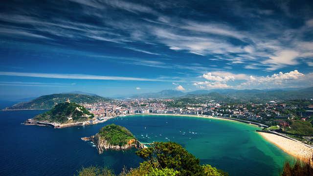 Escapada a un paso de la playa de San Sebastián con paseo en bici