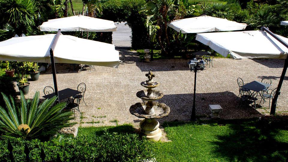 Hotel Villa D'Amato - Edit_Terrace2.jpg