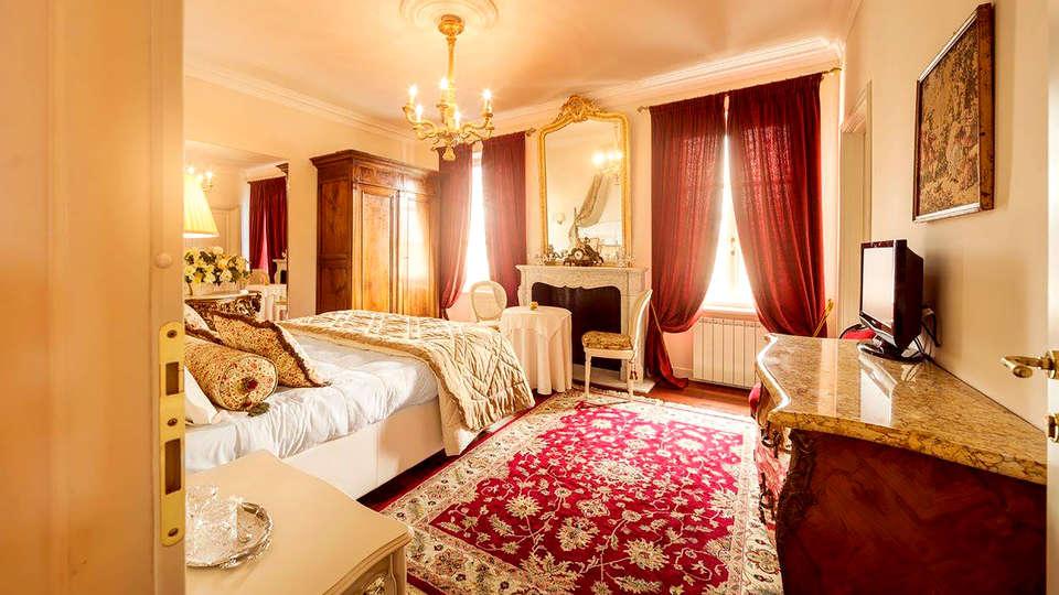 Duchessa Margherita - Edit_Room2.jpg
