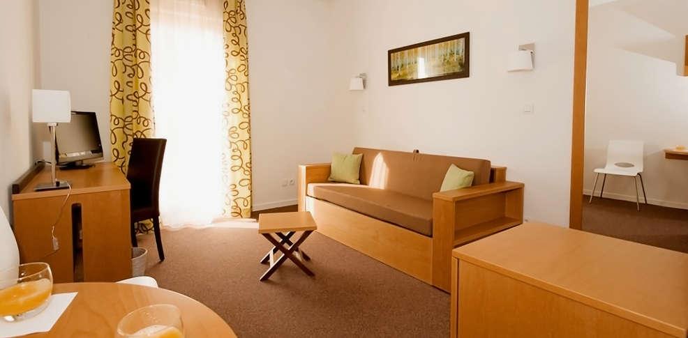 Appart h tel odalys bioparc 3 lyon france for Appart hotel bretagne sud